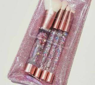 Quick Preorder! Etude house twinkle brush set