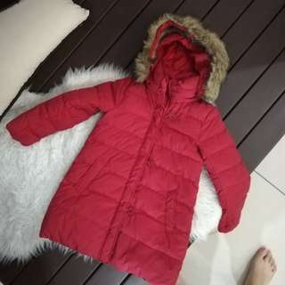 Uniqlo Winter Coat 5-7 y/o (size : 6)