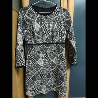 🚚 Zara黑白多種花圖案洋裝