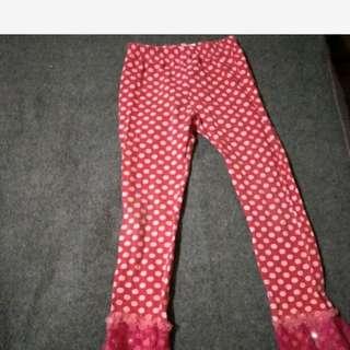 童 點點紅褲 免運 春夏褲 110-130cm穿 膝蓋捎有洗白