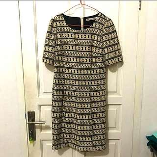 Dress Brukat XL