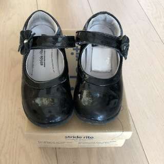 Sale: little girl shoes about 10-12cm
