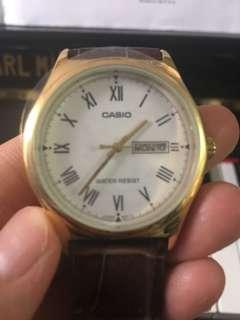 Casio真皮手錶 羅馬數字 有日期同星期 全新膠紙未拆 附一年原廠保養