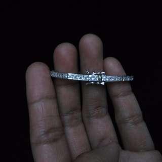 14k tennis bracelet (Carat)