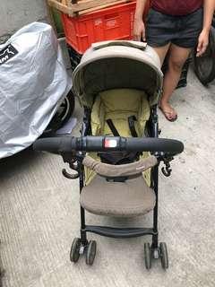 SALE Preloved Combi Reversible Lightweight Stroller