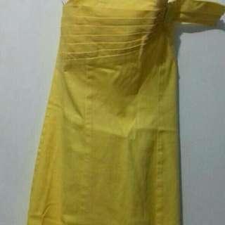 Dress kuning offshouldee