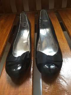 Sey Esteem black shoe