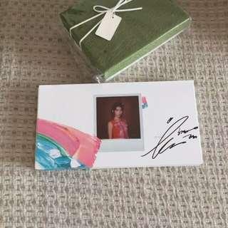 韩版IU亲笔签名李智恩2017专辑 IU palette