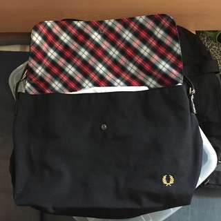 Fred Perry 斜咩袋