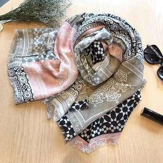 BNIB Women's scarf