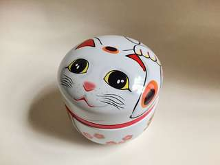 Japanese cat metal container
