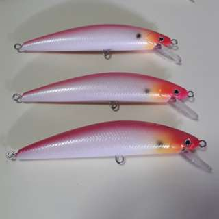 Sinking minnow ideal for Stalking Toman fries.Hotpink pearl white