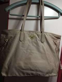 (真品)95% New Prada 淺粉(似肉色)餃子袋