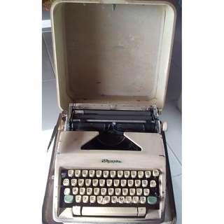 Vintage Olympia Typewriter Portable (1960s)
