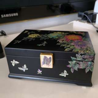 Mother of Pearl Inlaid Korean Lacquer Jewelry Box