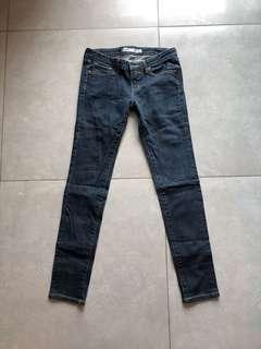 """Uniqlo women jeans 28""""W x 37""""L"""