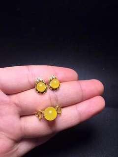 特價福利,原礦純天然蜜蠟,耳釘6mm,戒指8mm,925銀鍍24k金鑲嵌 natural beeswax