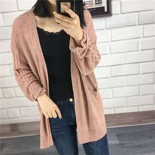 粉紅色寬鬆針織外套