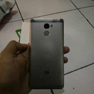 Xiaomi redmi 4 Prada 2/16 gb grey