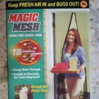 Magic mesh magnet door