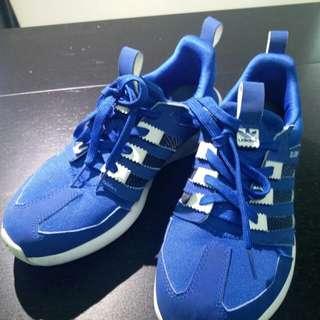 Adidas 波鞋