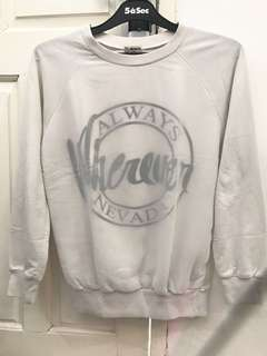 Sweater nevada putih