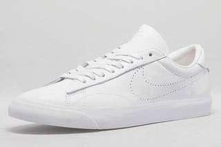 Nike classic tennis sneaker