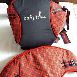 Gendongan bayi baby scots merah