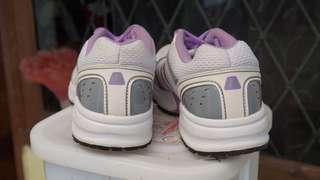 sepatu olahraga jogging fitness LEAGUE
