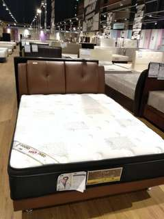 Queen Size Bed (King Koil)