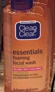 Clean&Clear Essentials Foaming Facial Wash 100ml