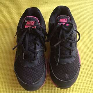 Nike Shoes For Girls Size 1Y 20cm