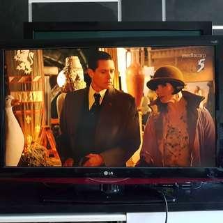 42 inch Full HD LCD TV