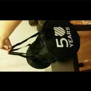 全新 K-SWISS 50周年限定版 黑色行李袋 一個 (只拆袋影相)