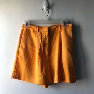 H&M Shorts — Yellow