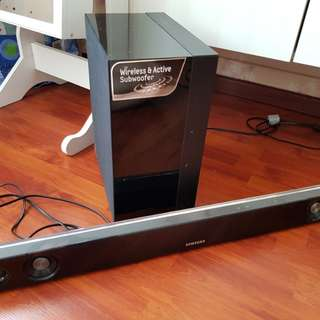 Samsung 2.1 sound bar with wireless subwoofer and remote