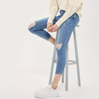 RTP$90 Topshop Jamie Ripped Jeans in Light Blue Denim