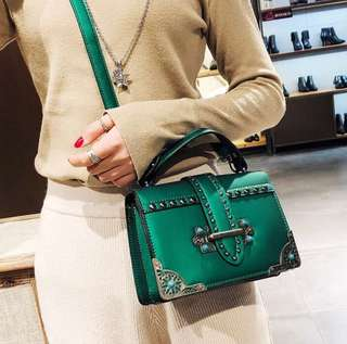 (Green) Retro Color Rivet Bag