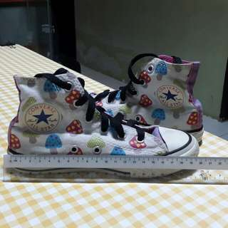 Converse girl shoes(original)