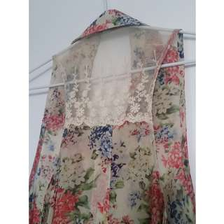 Beautiful Beige Floral Design Singlet with Lace Detail - Size 10