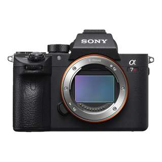 Sony A7R III Body Only, Come With Sony 64gb card and 15 month Sony Malaysia Warranty