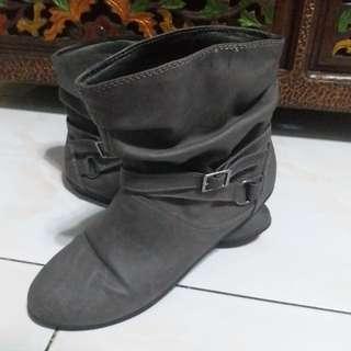 Sepatu Boots Masa Kini