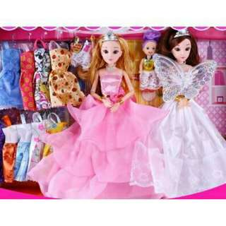 *FREE DELIVERY to WM only / Ready stock* Kids toy barbie doll set with accesories set as shown design/color. Free delivery is applied for this item.