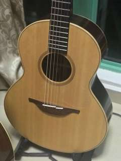 Lowden S32 with Pickup