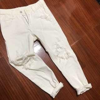 白色刷破牛仔褲(九分)