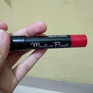 Silky girl red lipstick