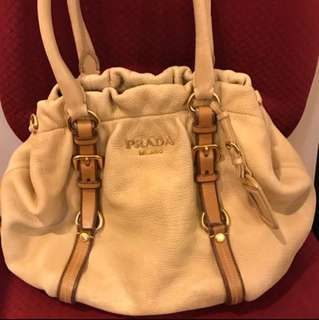 For more photo s: Prada bag leather