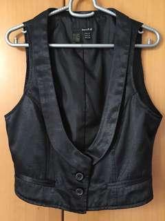 LOVE TRT XX black vest