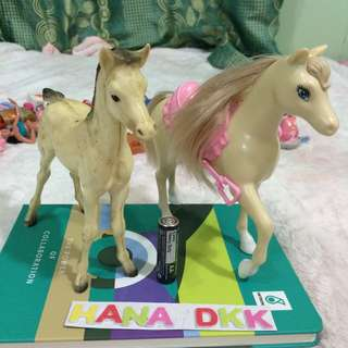 Barbie doll horse