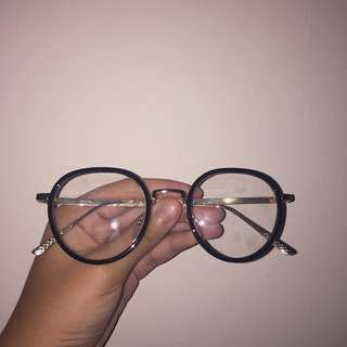 kacamata bulat atas rata